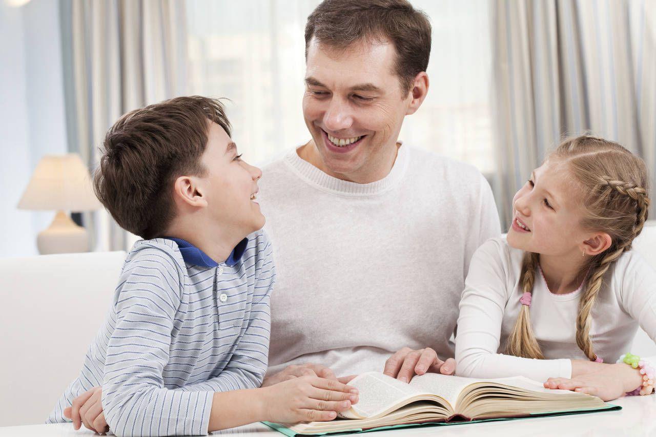 Cha mẹ đọc sách cùng con