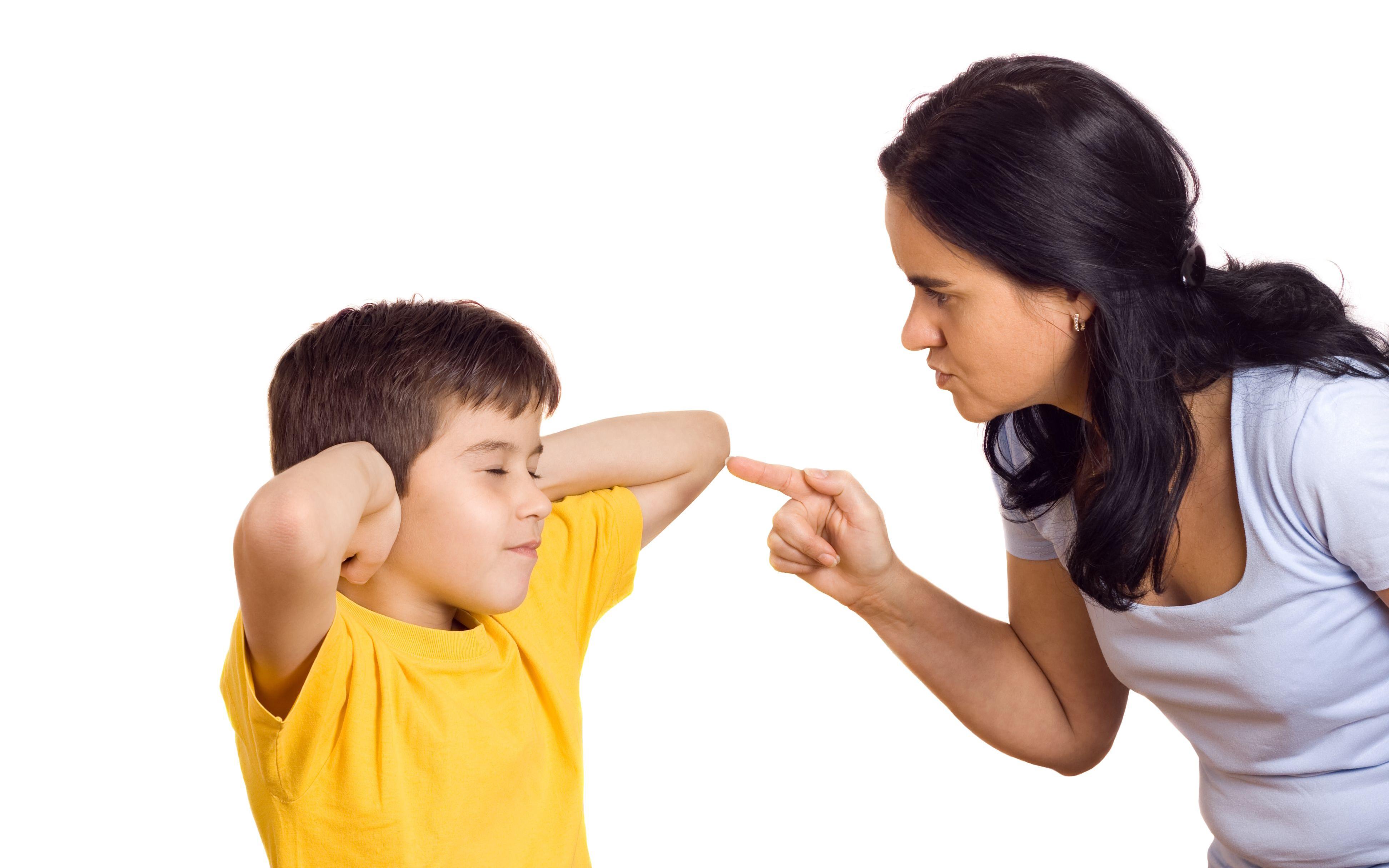 Trẻ bị la mắng