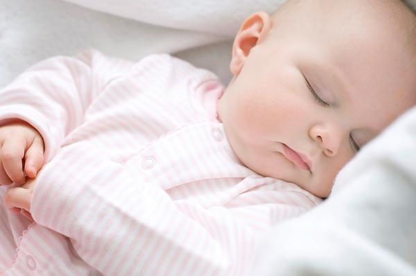 Cách giúp bé tăng sức đề kháng tự nhiên mà không cần dùng thuốc