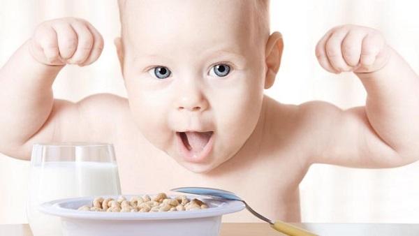"""Lý do các mẹ ồ ạt mua """"Sữa BaBego"""" thay cho """"cốm chùm ngây"""""""