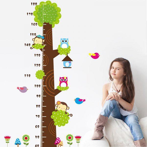 Nên đo chiều cao cân nặng cho bé thường xuyên