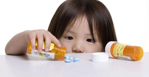 Có nên dùng thuốc cho trẻ biếng ăn?
